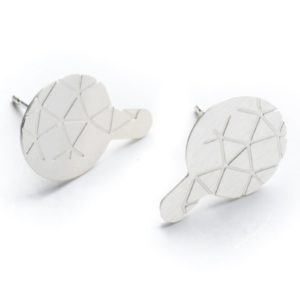 empreinte II earrings with frosted silver finish