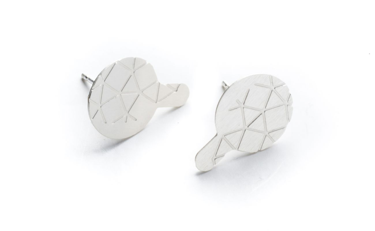 Empreinte II earrings finished in frosted silver