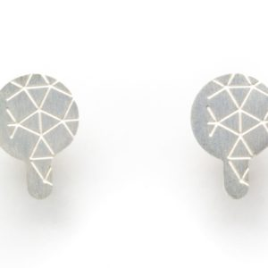 Empreinte II earrings finished in frosted silver front view