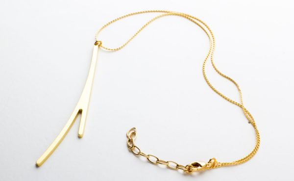 Ramification neck pendant I matte gold finish plus chain.